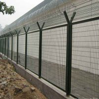 朋英 厂家供应 监狱防护网 监狱浸塑隔离网 安平防护栏厂家