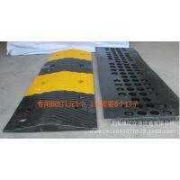 橡胶减速带耐压减速带梯型橡胶减速板缓冲带道路交通安全设施