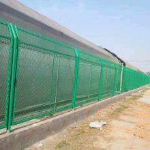 低碳钢丝护栏 江门热镀锌防护栏网 清远球场隔离围栏