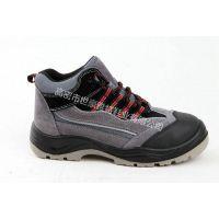 耐酸碱防滑倒伤害注塑劳保鞋实心底钢板刺穿伤害冲击伤害