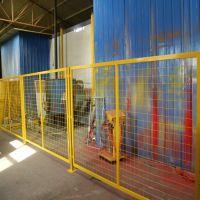 朋英厂家供应浸塑镀锌丝车间隔离网