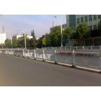 湛江锌钢道路隔离护栏厂家 湛江防眩晕公路交通护栏生产厂家