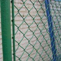 包塑绿色勾花网@学校操场菱形护栏@体育运动球场隔离栏
