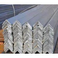 供应昆明镀锌角钢 63*5*6000mm 产地河北 材质Q235 现货 加工及配送为一体,欢迎来电