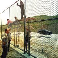 顶卓篮球场护栏网 足球场围栏网 学校操场隔离网围栏厂家直销