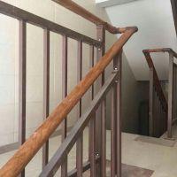 成都仿木纹楼梯扶手,Q235HC烤漆楼梯栏杆,无焊接阳台护栏颜色多样,热镀锌篱笆竹节栅栏可自由搭配
