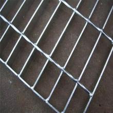 钢梯图集踏步板 钢梯踏步板a3厚度 钢格栅安装夹
