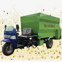牧场撒料机型号 中小型牧场撒料机耐用的很 润丰机械