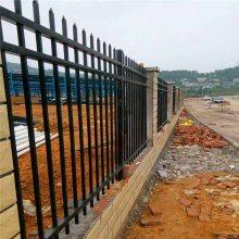 梅州精神医院外墙护栏上门安装 深圳工厂镀锌铁栏杆来图定制