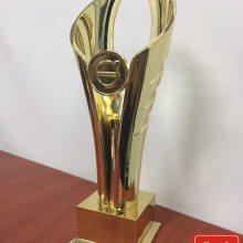 长沙厂家定做品牌专属奖杯,企业年会表彰奖杯,金属材质异形奖杯设计制作