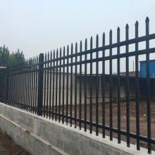 外墙框架护栏、焊接式围栏、穿插式栅栏 珠海项目部外围铁栏杆
