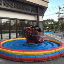 户外大型摇摆机 广场游乐斗牛机定制 机械牛 充气垫疯狂斗牛机