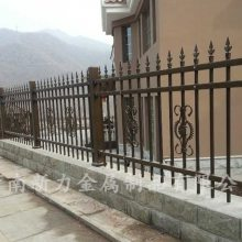 厂家直销热镀锌钢围墙护栏 定制多规格锌钢护栏 河南新力