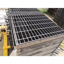 污水处理钢格栅 复合实木楼梯踏步板 镀锌钢格栅生产厂家