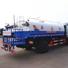 6吨绿化喷洒车15897604666威龙洒水泵价格