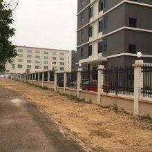 东莞隔离栏围墙护栏 深圳锌钢栅栏工地安装 安全栏杆厂家