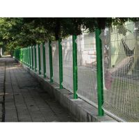 小区围栏网用桃型柱护栏网连接简便不用螺丝坚固防盗,桃型立柱护栏美观大方