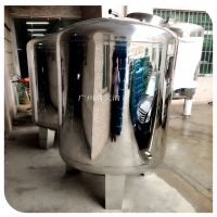 清又清可以根据客户要求或是水量大小来定制不锈钢无菌储罐,也可以根据客户选用那种材质来定制储罐。