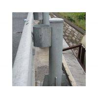 桥梁镀锌波形护栏_镀锌法兰立柱价格_Gr-A-2B2型号(君安17753363199)