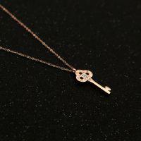 金不二丨供应 18K玫瑰金色钥匙精品项链 新款钛钢项链女不掉色锁骨链
