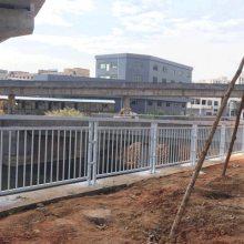 道路中央隔离带护栏 广州甲型护栏现货 梅州市政防撞围栏价格