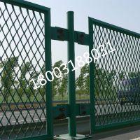 防眩护栏网用途广 高速公路安全保护网安平源海浸塑铁丝防撞栏