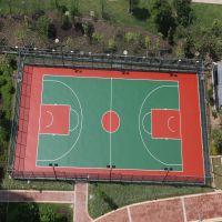 学校篮球场LED灯具配置方案 梅州社区球场灯光效果 柏克一拖三灯杆批发