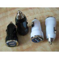 供应子弹头车载充电器 双USB车充 CE FCC ROHS认证车载充电器 5V2.1A车载充电器