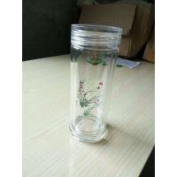 喝水杯应该是亿泉玻璃杯在所有材质的杯子里玻璃杯是***健康的。玻璃杯在烧制的过程中不含有机的化学物质