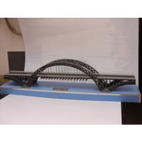 带悬臂的桥梁模型