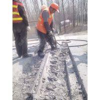 水泥路面纵向裂缝为何难以修复?用什么方法可以修补纵向裂缝?