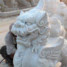 汉白玉貔貅价格,转运守财貔貅雕刻,嘉祥顺利石雕厂供应。