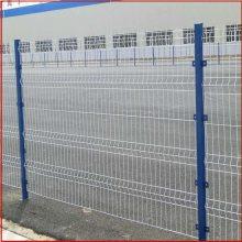 公路浸塑护栏网 广东钢丝网围栏网 果园护栏网多少钱一米