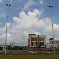 12米足球场照明电线杆图片 室外照明灯具安装 柏克高杆灯批发