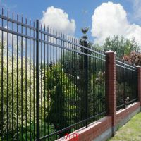 铁艺围墙护栏厂供应铁艺围墙护栏多少钱一米