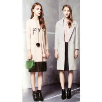 四季青服装市场品牌折扣女装走分广州的品牌折扣店LEAST秋冬多种款式多种风格棉衣