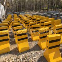 水泥隔离墩济南辉腾厂家直供高80施工路段用黄黑色隔离墩 量大从优混凝土防撞墩