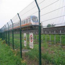 厂区护栏网 园林小区护栏网 围墙绿色铁丝网报价