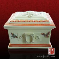 景德镇陶瓷骨灰盒图片 骨灰盒定做厂家