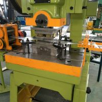 供应不锈钢刀片防护刺绳网机 军事防护网生产机器