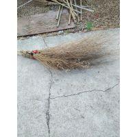 马路竹扫帚,优质材料,弹性好,扫地干净。牢固赖用,轻便省力。