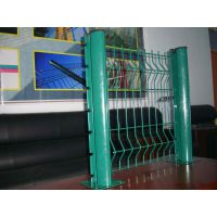 武汉护栏网 厂房围墙防攀爬钢丝网桃形立柱荷兰网 三角折弯护栏网