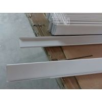 常用铝条扣有什么规格,木纹铝条天花价格。