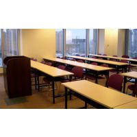 ? ? ? ?合肥折叠长条桌低价出售 户外活动桌 简易办公桌 条形桌?
