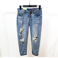 想批发牛仔裤不知道去哪批发宇润服饰有大量库存牛仔裤便宜清仓