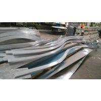 铝板折弯方通、木纹造形方通吊顶、氟碳弧形铝单板幕墙。