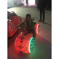 广场双人电瓶碰碰车 新款火星战车游乐车 太空漂移摩托碰碰车***低什么价