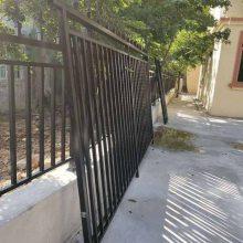 订做广州火车站推拉式栅栏、折叠式围网 站台铁栏杆、可移动式护栏