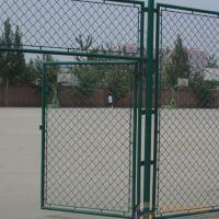 安平铁丝网厂@飞创金属丝网厂主营什么:门球场护栏网 规格比较多