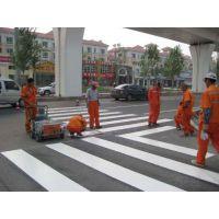承接茂名各种道路交通标线,车位线,减速标线,罗定公路护栏安装,水东交通信号灯安装